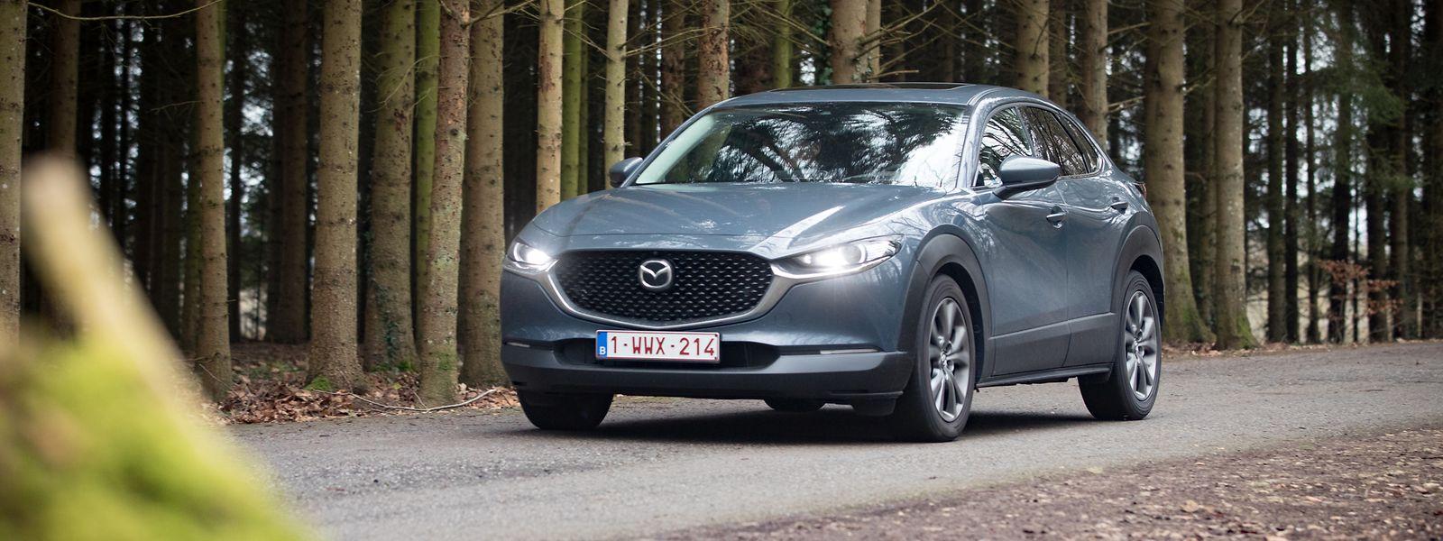 Schnittiges Design: Der Mazda CX-30 sticht aus der Masse hervor.