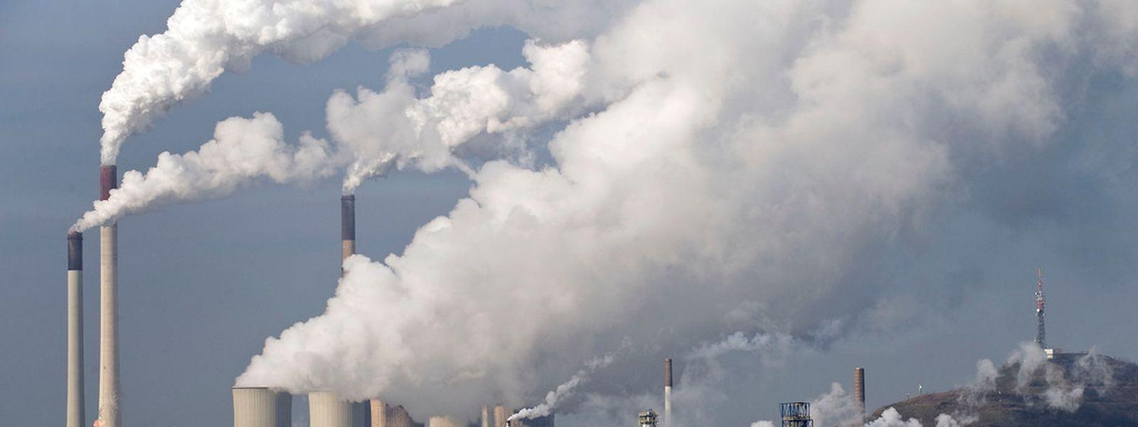 Der Kohlendioxid-Ausstoß hat trotz aller Gegenmaßnahmen weltweit zugenommen.