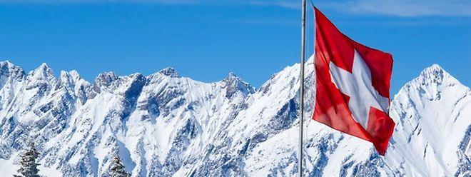 Die Schweizer haben mit klarer Mehrheit für erheblich größere Überwachungsbefugnisse ihres Geheimdienstes gestimmt.
