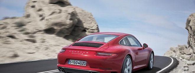 Tiefer und schneller, trotzdem effizienter und komfortabler wird der überarbeitete Porsche 911 Carrera sich wohl weiterhin als erfolgreichster Sportwagen behaupten können.