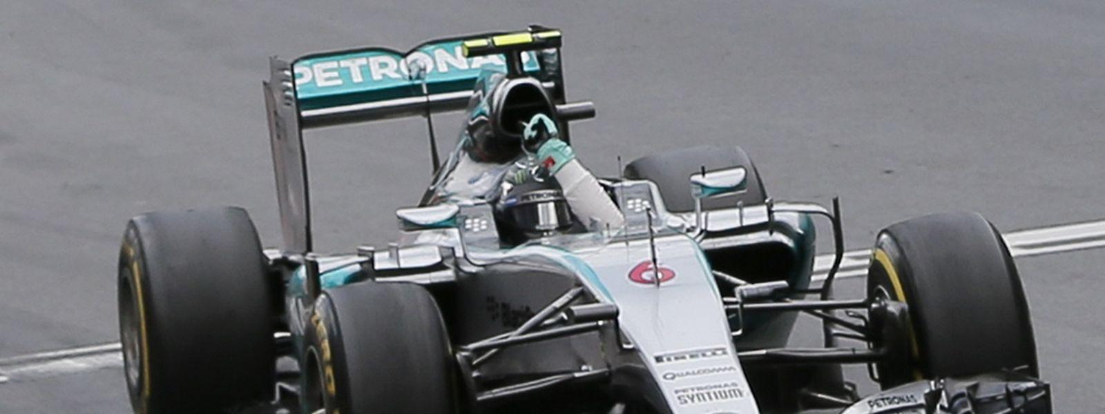 Mais uma vitória para o mercedes de Nico Rosberg