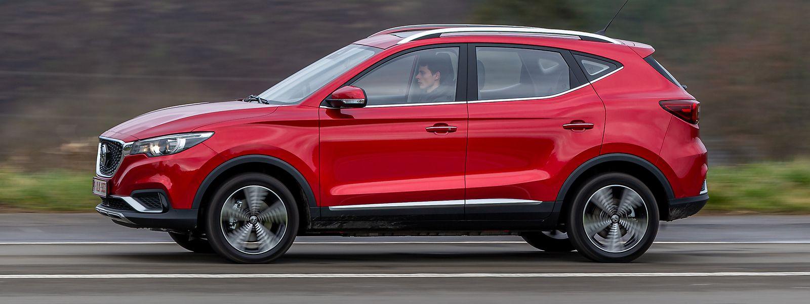 Der bei SAIC gefertigte MG ZS EV kommt recht unaufgeregt, aber durchaus gefällig daher.