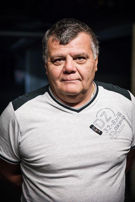 Carlo vit depuis près de huit ans dans le complexe du CCAMR, face à l'hôtel de ville, et souligne le nouveau confort que lui apporte le tri sélectif «à la maison»: il n'est plus contraint de se déplacer régulièrement au centre de recyclage du SIVEC.