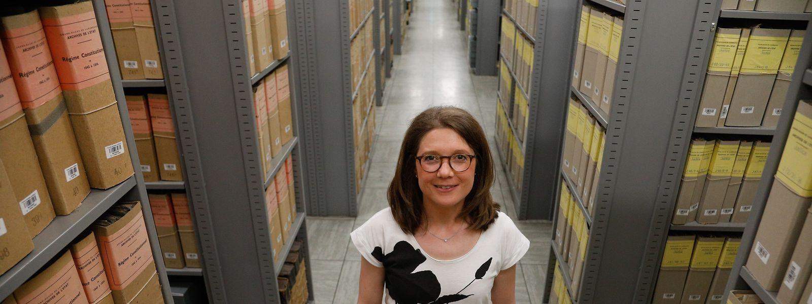 """Corinne Schroeder ist Archivarin im Staatsarchiv und Vorsitzende des """"Veräin vun de Lëtzebuerger Archivisten""""."""
