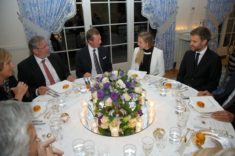 Le grand-duc Henri avec Viviane Loschetter, Mars Di Bartolomeo (le président de la Chambre des députés) Tess Burton et Franz Fayot.