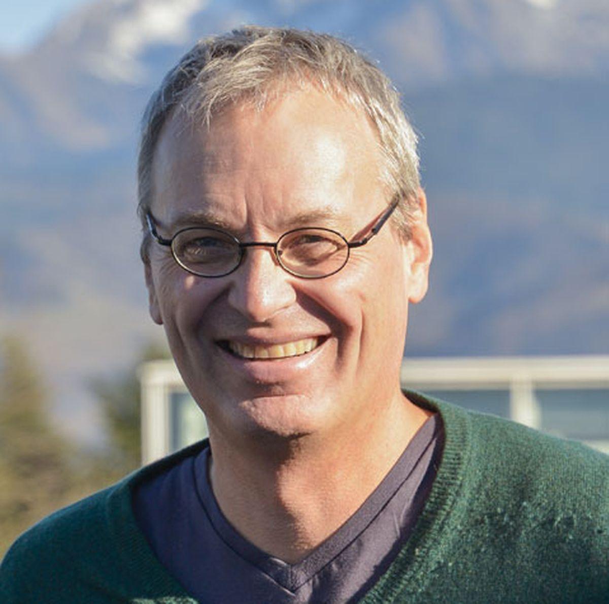 Emmanuel Abord de Chatillon, professeur à l'Université de Grenoble, travaille sur le monde du travail et ses effets néfastes.