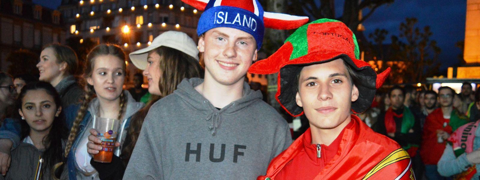 Jovens adeptos portugueses e islandeses convideram com 'fair-play' na Place de la Constituition, no Luxemburgo