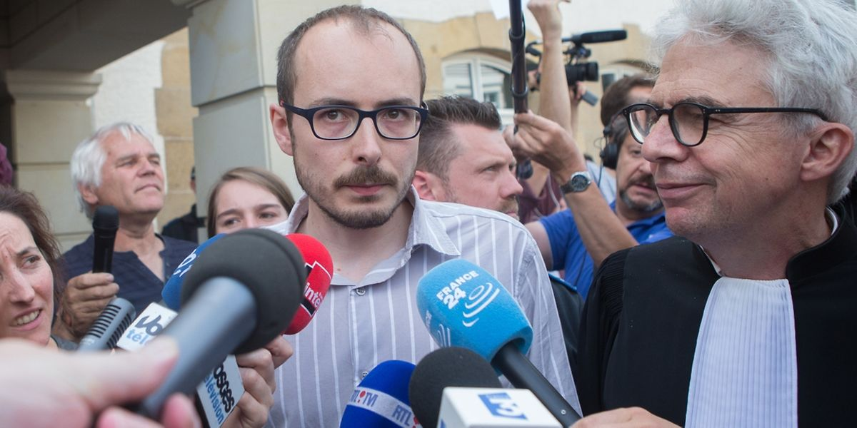 """Antoine Deltour s'exprime après le verdict du tribunal. """"C'est une mise en garde adressée aux futurs lanceurs d'alerte."""""""