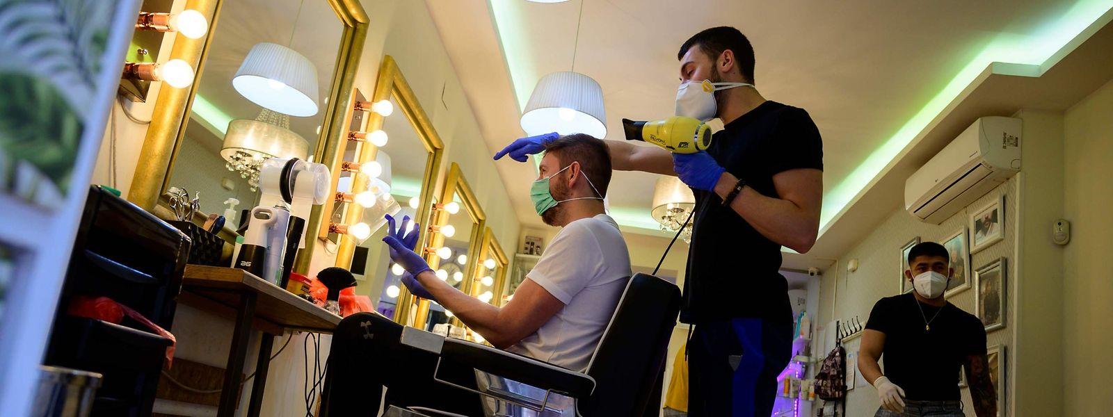 Dans un premier temps, les salons de coiffure ne seront d'abord accessibles que sur rendez-vous.