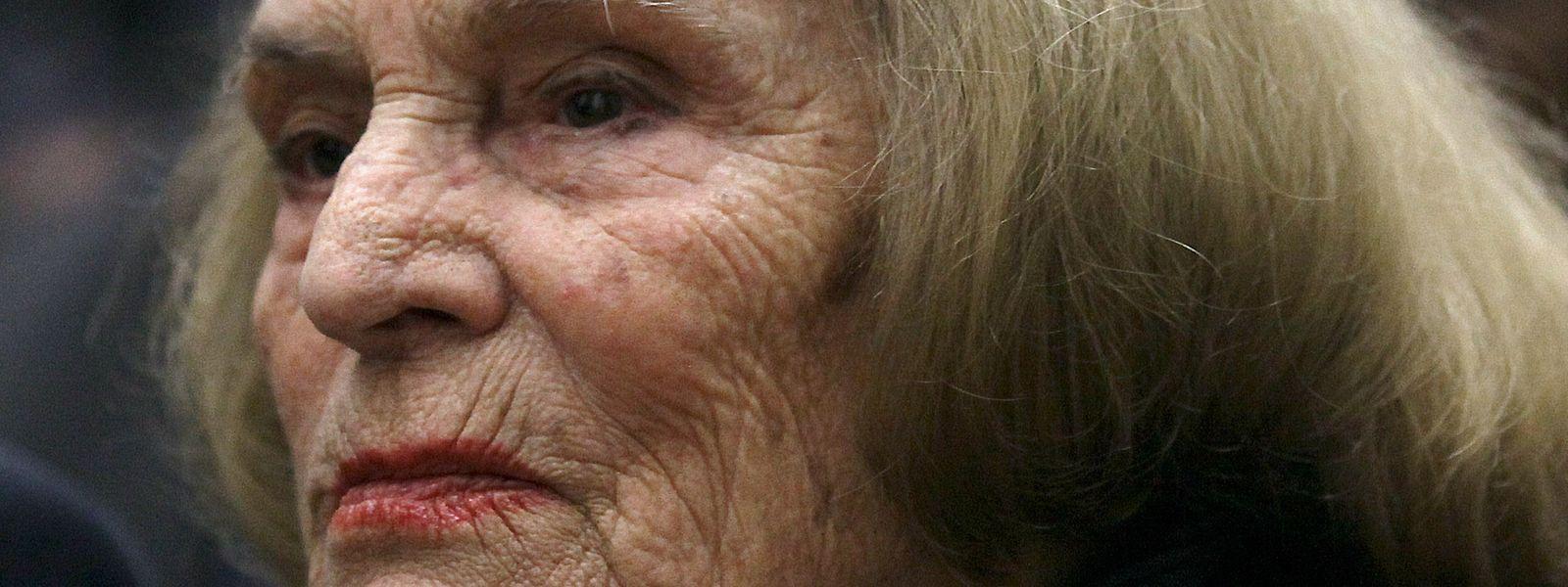 Celeste Rodrigues, fadista portuguesa e irmã de Amália Rodrigues, faleceu hoje aos 95 anos.