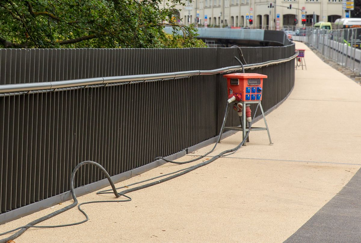Bis zur Eröffnung von Radweg und Bürgersteig bleiben noch eine Reihe von Arbeiten zu erledigen.