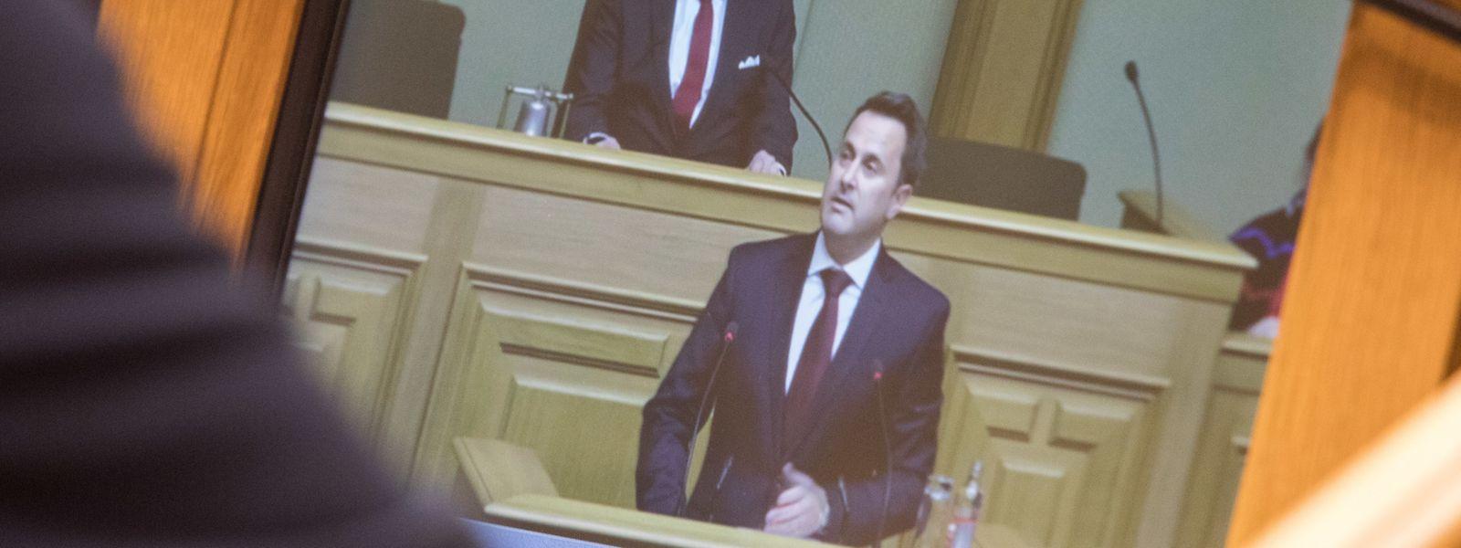 Xavier Bettel stellt das Koaltionsabkommen im Parlament vor.