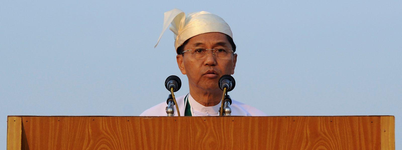 Der frühere General Vize-Präsident Myint Swe fungiert als Übergangsstaatsoberhaupt.