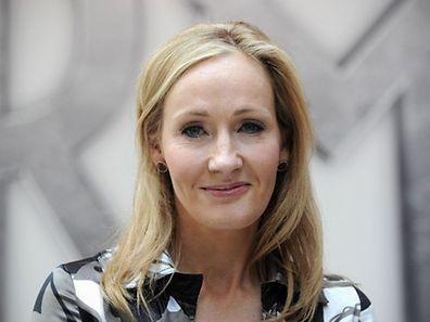 """Beim Schreiben erhielt die """"Harry Potter""""-Autorin J.K. Rowling Unterstützung von Drehbuchautor Jack Thorne und Theaterregisseur John Tiffany."""