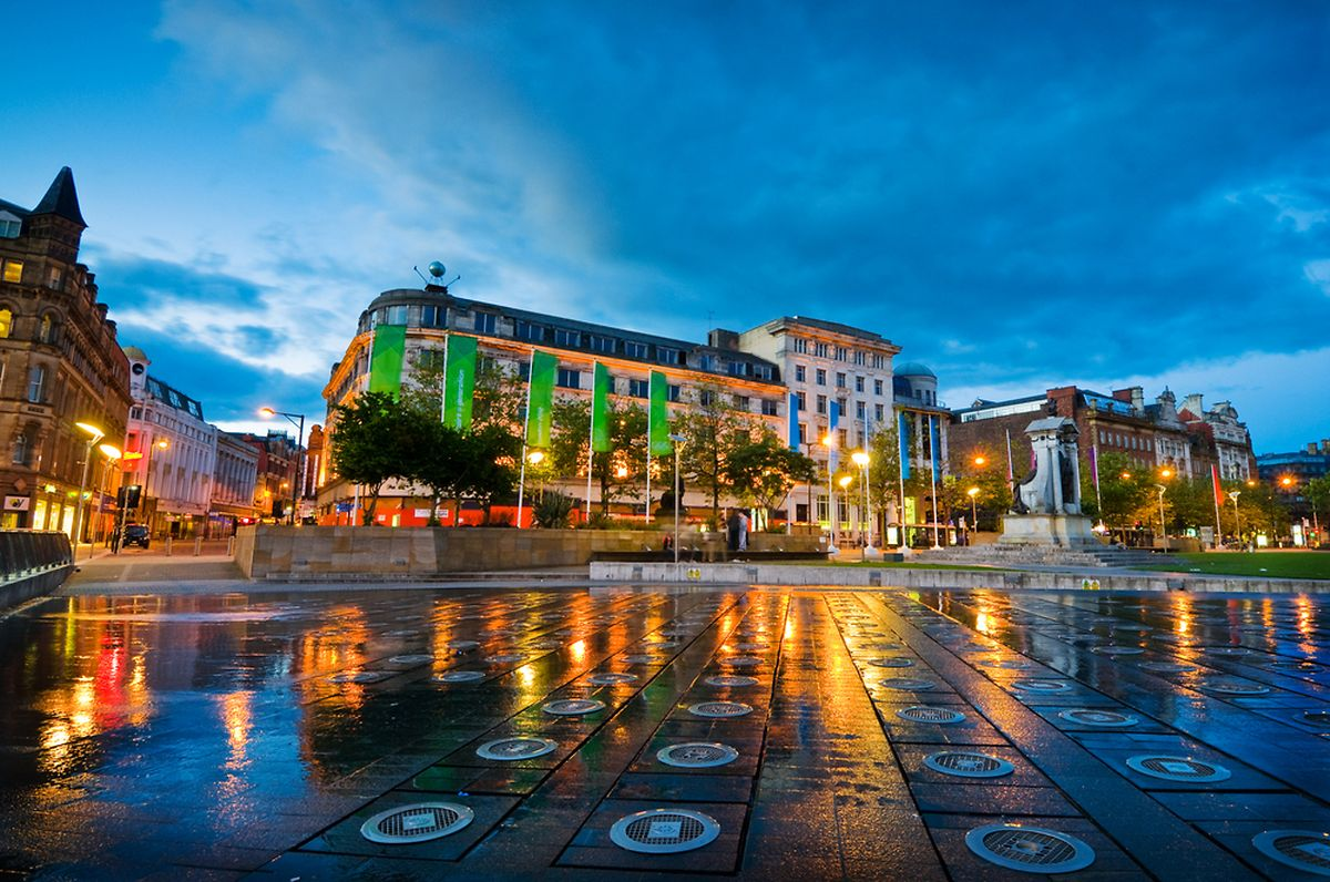 Piccadilly square in the centre of Manchester Photo: Shutterstock