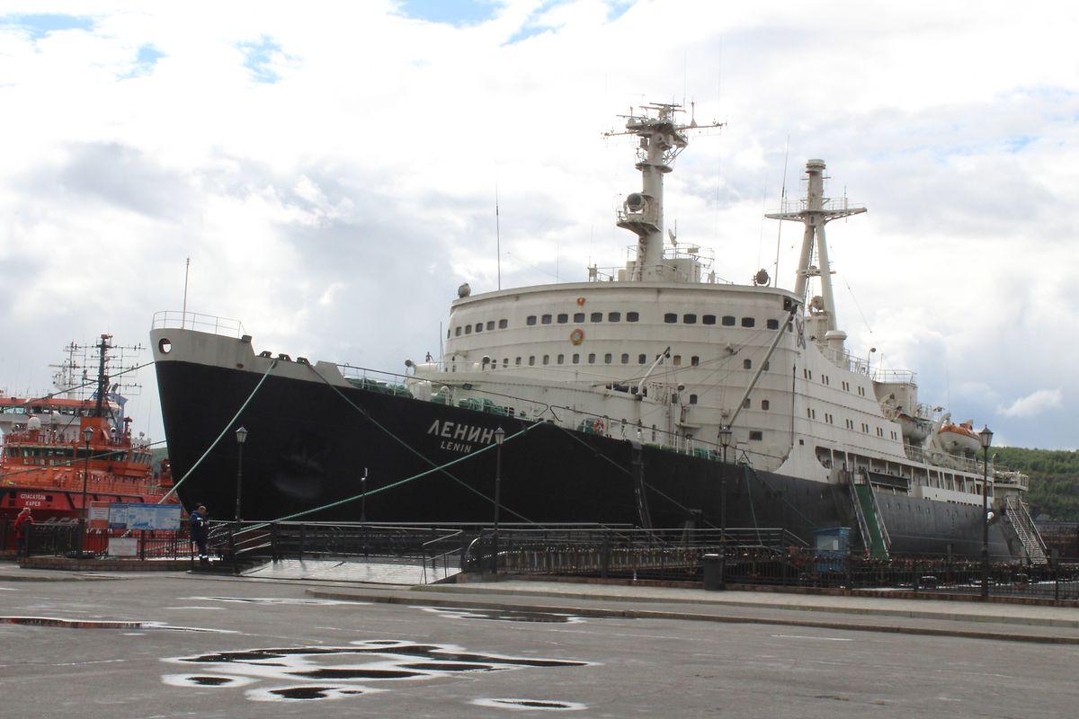 Der erste Atomeisbrecher der Welt liegt im Hafen von Murmansk. Die Lenin ist seit 1989 nicht mehr im Dienst und ist heute ein Museum.