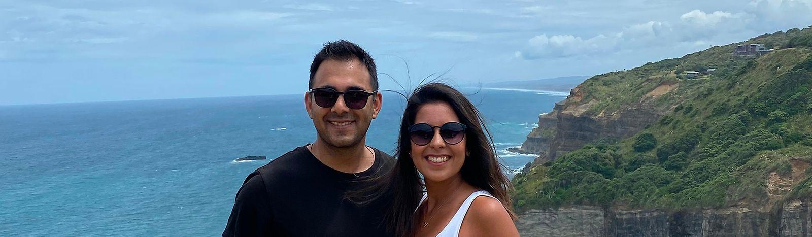 Portugueses Dirav e Vidhya em Auckland.