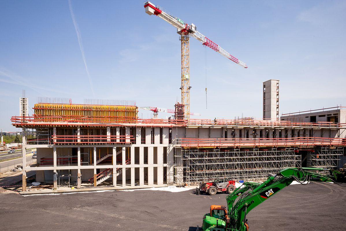 Derzeit wird die vierte Etage des Gebäudes realisiert. Hier wird sich die Notrufzentrale befinden.
