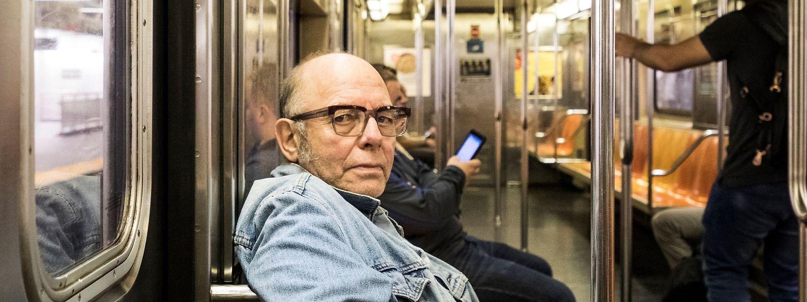 """In der Metro: Pierre Joris hat zwar seinen Lebensmittelpunkt in New York, gilt aber als Weltbürger und fühlt sich als """"Nomade""""."""