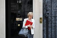 (FILES) In this file photo taken on March 26, 2019 Britain's Leader of the House of Commons Andrea Leadsom leaves 10 Downing street, London after a cabinet meeting. - UK House of Commons leader Andrea Leadsom announced her resignation from the government on May 22, 2019 over Prime Minister's handling of the Brexit crisis. (Photo by Tolga AKMEN / AFP)