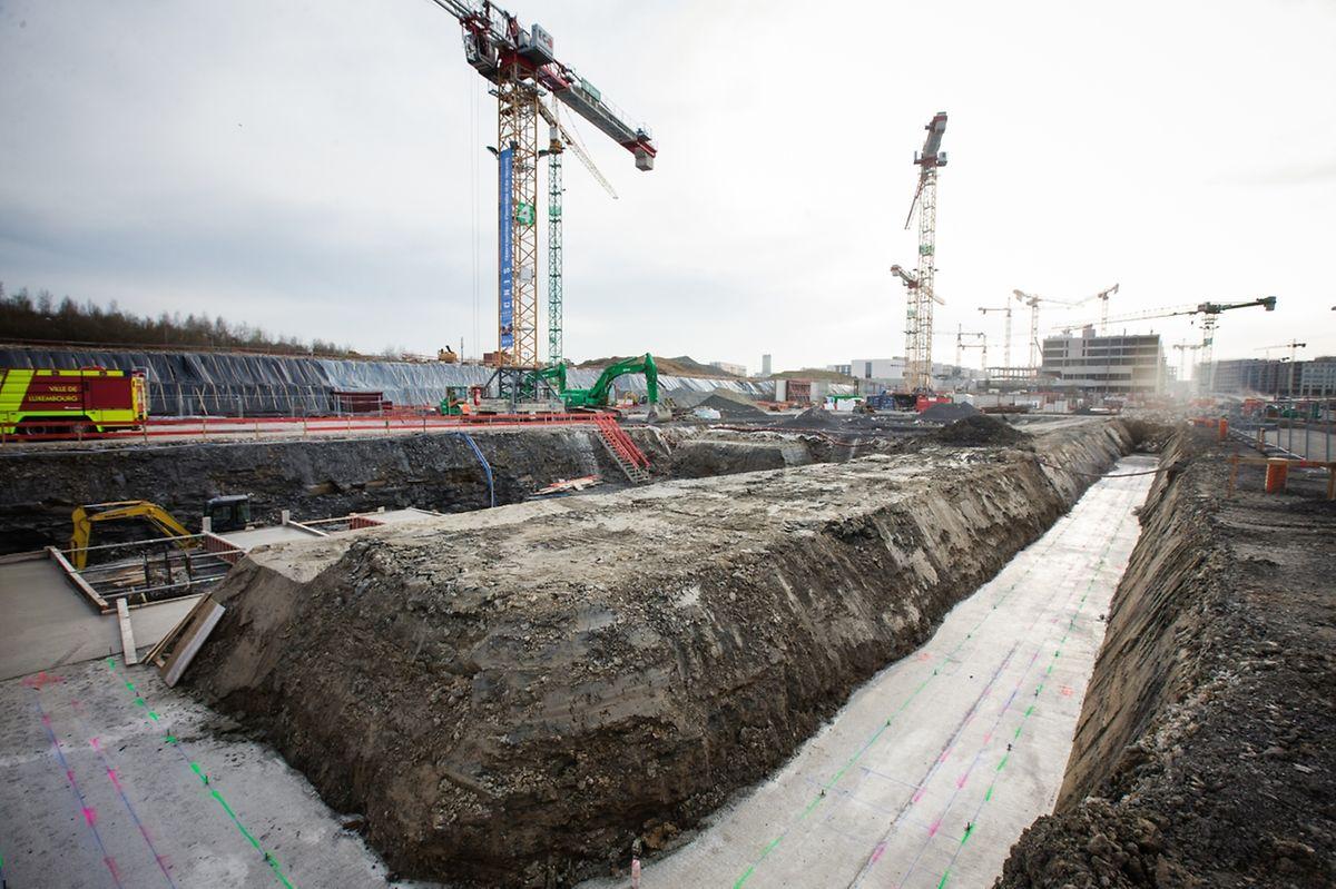 Les contours du futur Centre national d'incendie et de secours sont déjà dessinés au sol. «si tout va bien, il sera terminé en 2020», avance prudemment Lydie Polfer, bourgmestre de Luxembourg.