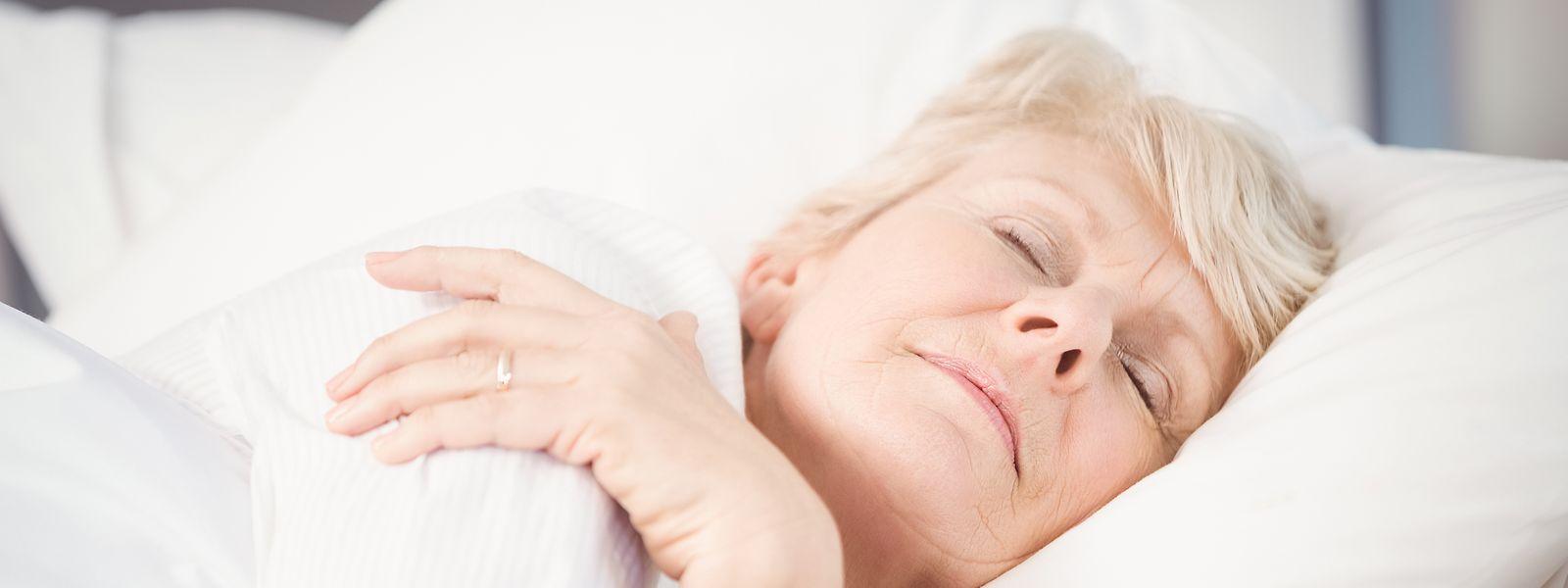 An der Universität Bern wird erforscht, wie sich die Tiefschlafphase auf die Gedächtnisleistung auswirkt.