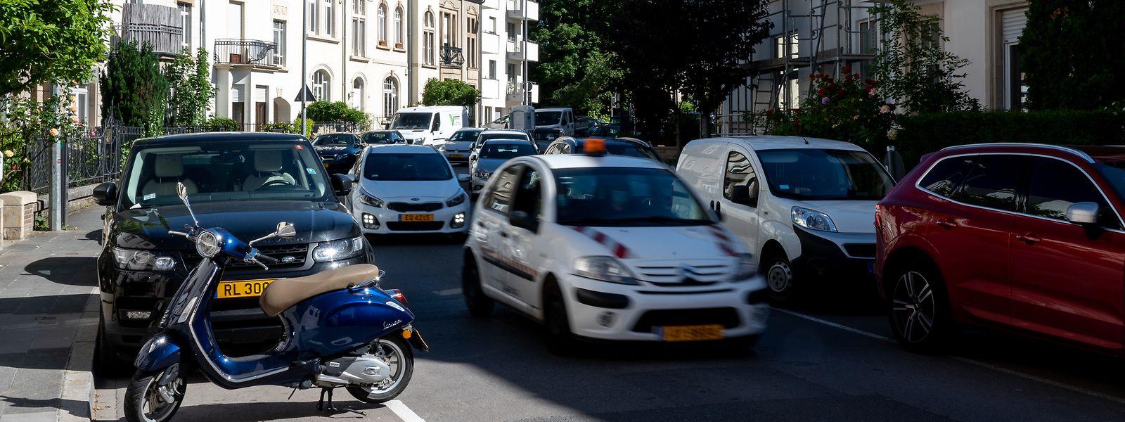 Viel Verkehr auf dem Boulevard de la Pétrusse.