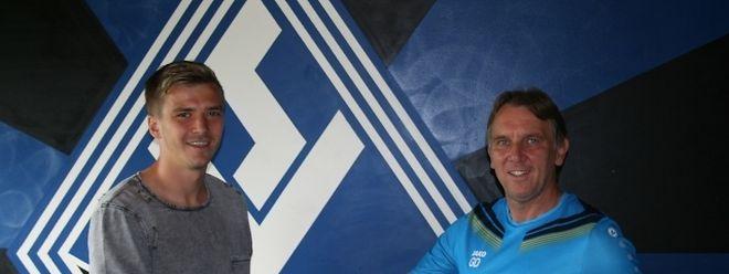 Maurice Deville zusammen mit seinem neuen Trainer Gerd Dais.