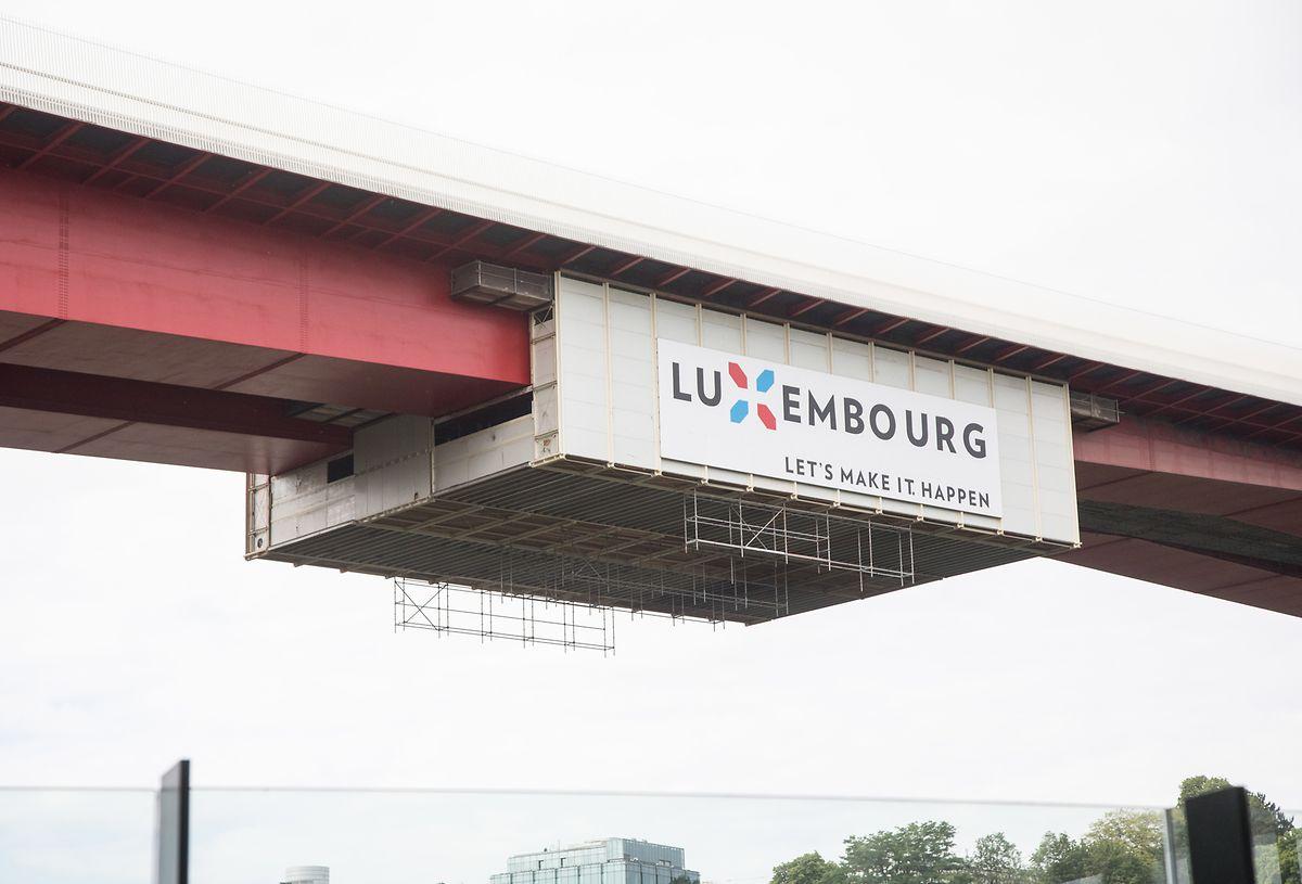 Die Malerarbeiten an der Brücke wurden vor wenigen Wochen gestoppt.