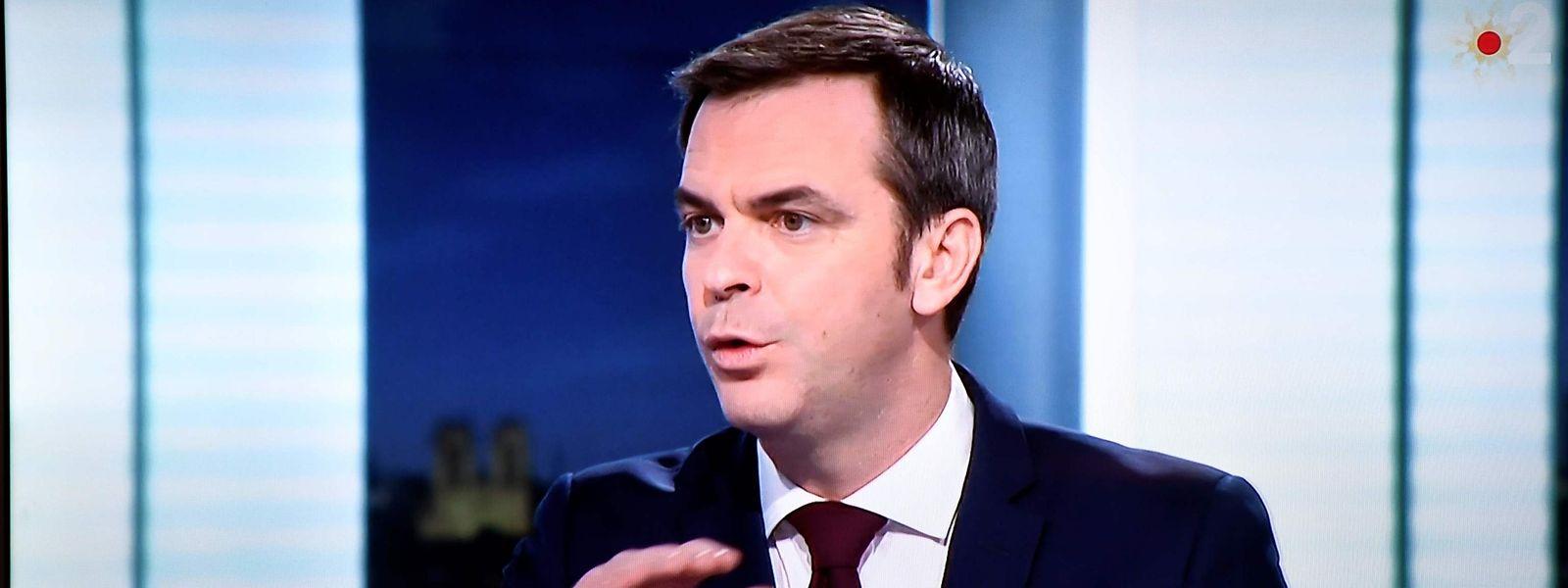 Le ministre de la Santé français, Olivier Véran, a élargi le champ des personnes prioritaires pour recevoir les premiers vaccins.