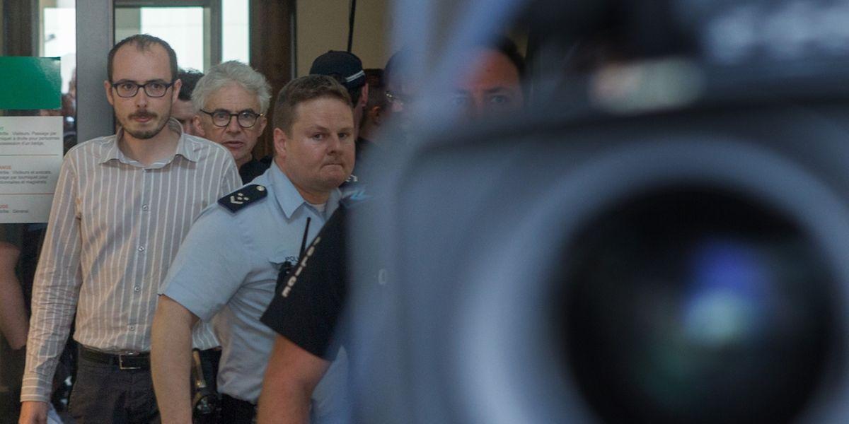 Antoine Deltour a la sortie du Tribunal ce mercredi.