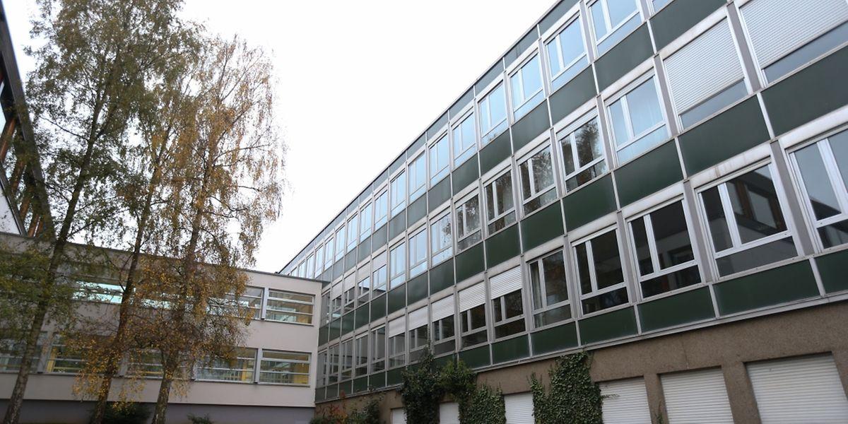 "Ende Oktober wurde der ""Aile 3.000"" des ""Lycée Michel Lucius"" geschlossen."
