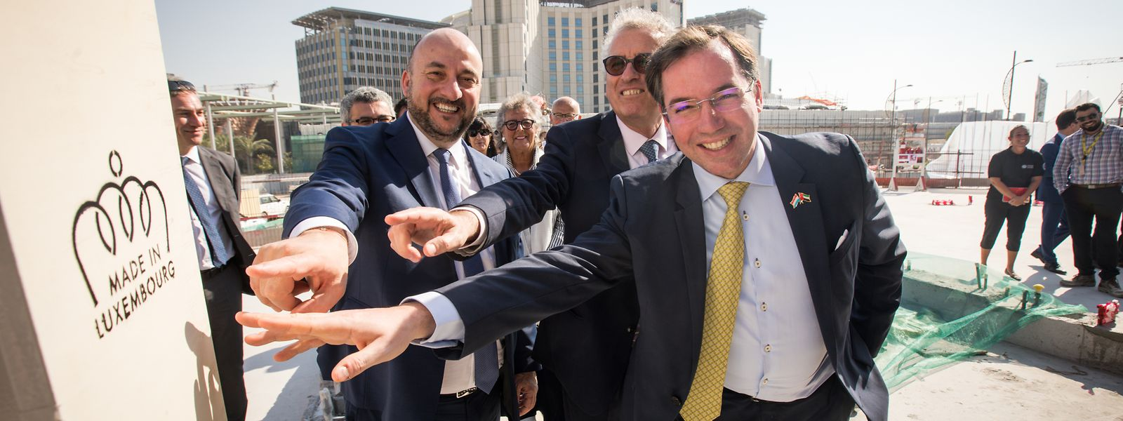 """""""Made in Luxembourg"""": Erbgroßherzog Guillaume (r.), Wirtschaftsminister Etienne Schneider (l.) und Finanzminister Pierre Gramegna in Dubai."""