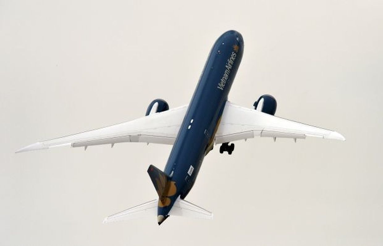 Ein Boeing Dreamliner beeindruckte mit einem fast senkrechten Start.