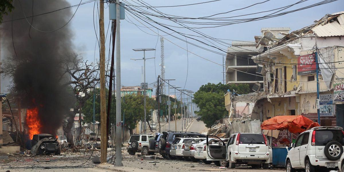 Kurz nach dem Anschlag: Nasa-Nablood Hotel in Mogadischu.