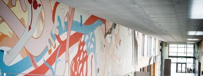 Fresque de 1000 mètres carrés réalisée par l'artiste Paul Kirps à l'Ecole Européenne Luxembourg 2.