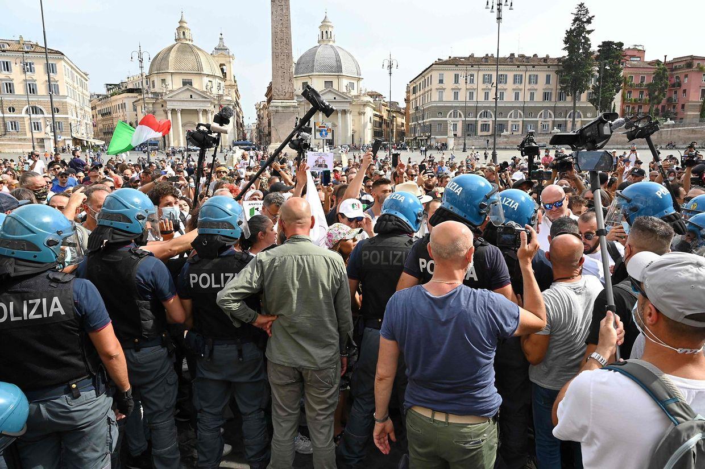 In Rom gingen etwa 3000 Menschen auf die Straße.