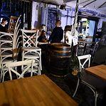 Itália encerra teatros e cinemas e obriga bares e restaurantes a encerrar às 18h00
