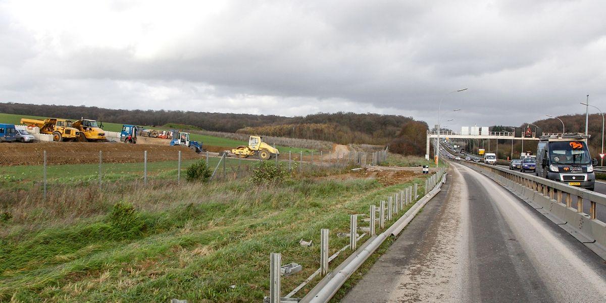 Die Arbeiten an der neuen Tankstelle entlang der A4 werden noch einige Monate andauern.