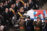 Staatsbegräbnis Großherzog Jean, funérailles Grand-Duc Jean. Kathedrale, Ausgang des Sarges des Sarges vorbei an der Großherzoglichen Familie,Großherzog Henri , Foto: Guy Wolff/ Luxemburger Wort