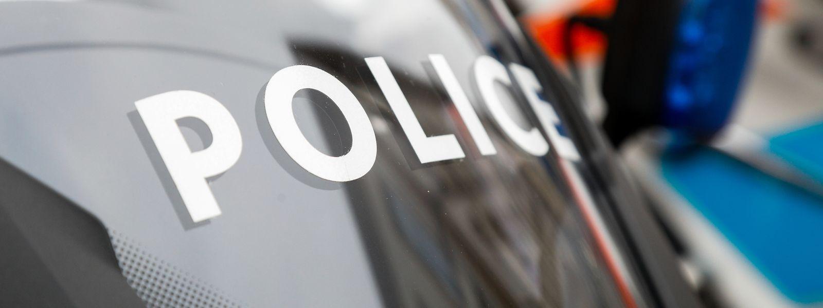 Augenzeugen haben der Polizei in der Nacht zum Samstag einen Falschfahrer auf der A1 gemeldet.