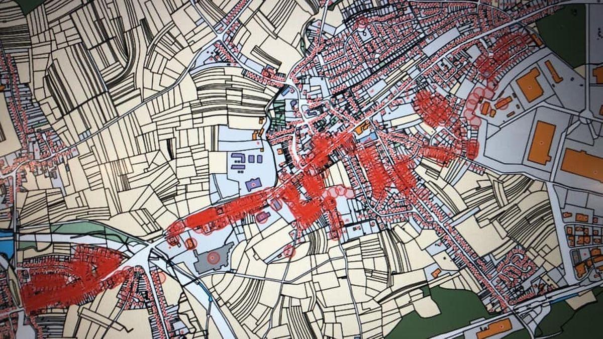 Dort, wo sich die roten Punkte befinden, wurden Häuser zerstört.
