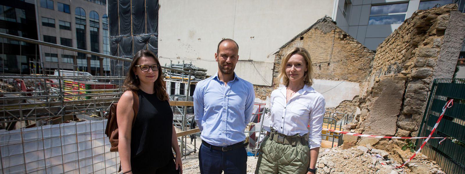 Sandra Latamik, Peter Kleijnenburg und Eryn Zander (v.l.n.r) können nicht nachvollziehen, dass so viele histrische Gebäude weichen müssen.