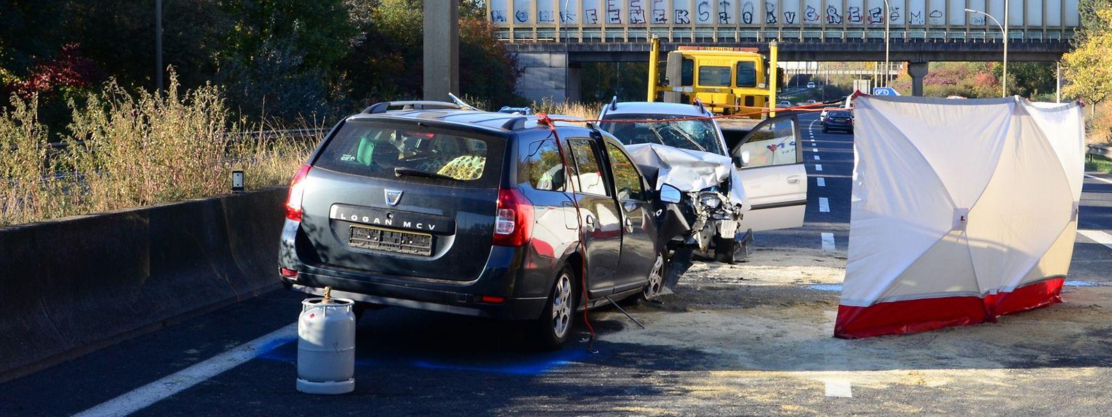 Zuvor war der Autofahrer in verkehrter Richtung  durch den Kreisverkehr Raemerich gefahren.