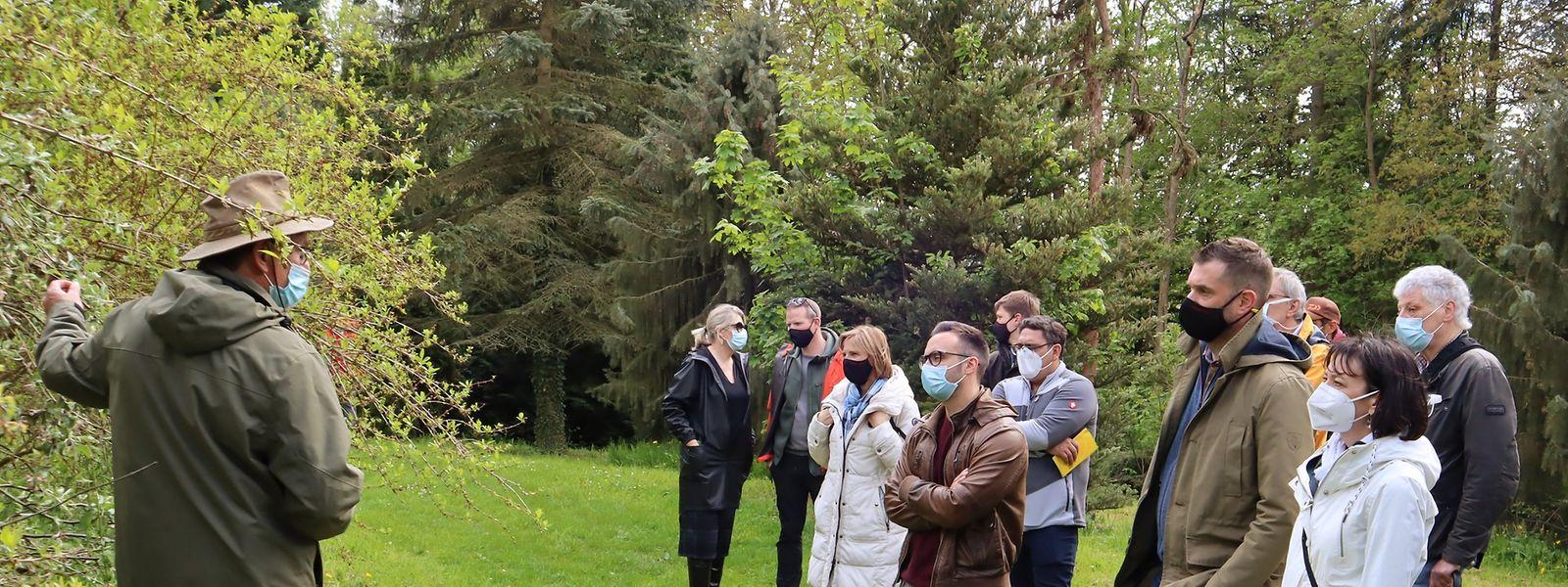Eike Jablonski leitete dieser Tage eine Delegation Gemeindevertreter durch das Arboretum in Ettelbrück.