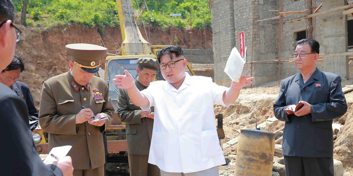 Nordkoreas Führer Kim Jong-Un hat offenbar wieder eine Rakete an den Start geschickt.