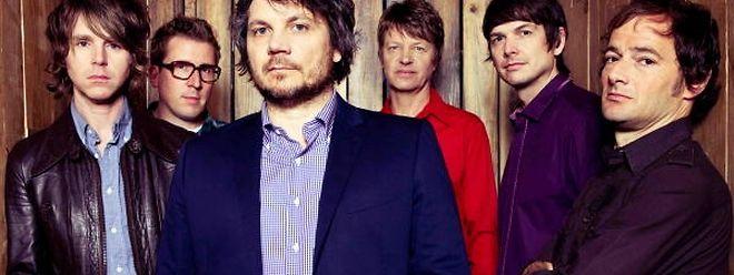 Das Sextett rund um Wilco: Patrick Sansone, Mikael Jorgensen, Jeff Tweedy, Nels Cline, Glenn Kotche und John Stirratt (v.l.n.r.)