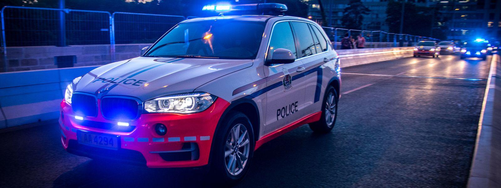Bei der Verfolgung des Rasers verunglückten die Polizisten mit ihrem Dienst-SUV.
