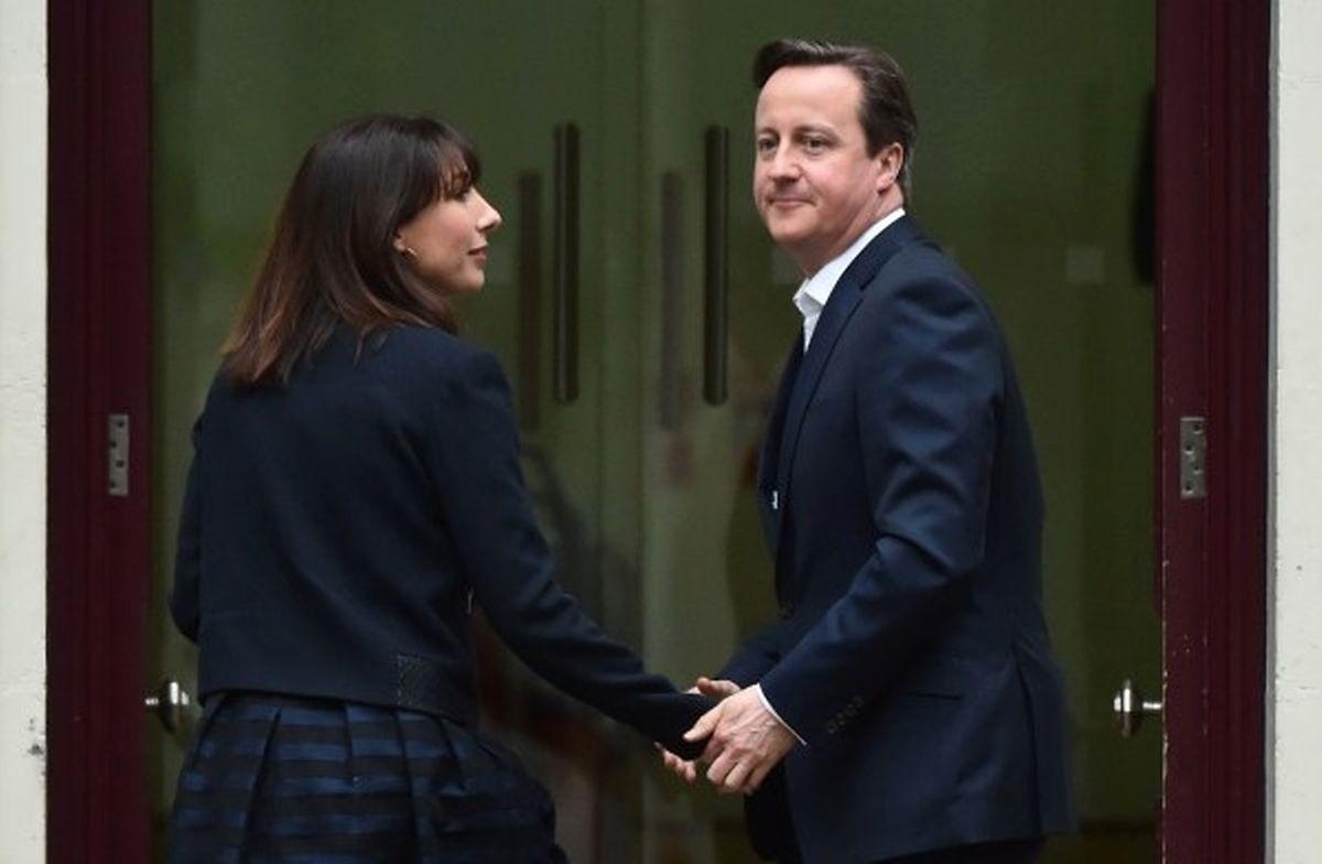 Le Premier Ministre et leader du parti conservateur, David Cameron, avec son épouse Samantha .