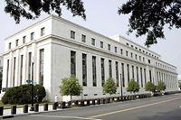 ARCHIV - 07.08.2007, USA, Washington: Das Gebäude der US-amerikanischen Notenbank Federal Reserve (Fed). (zu dpa: «US-Notenbank senkt Leitzins wegen Coronavirus auf fast null Prozent») Foto: Matthew Cavanaugh/EPA/dpa +++ dpa-Bildfunk +++